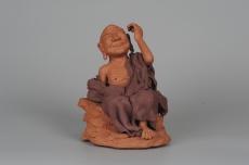 紫砂壶图片:年底特惠 不可多得的用心之作 写意全手工修耳罗汉 精品雕塑 - 全手工紫砂壶网