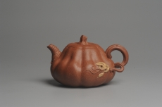 紫砂壶图片:美壶特惠 油润降坡泥精致卡盖全手工仿生小南瓜 - 全手工紫砂壶网