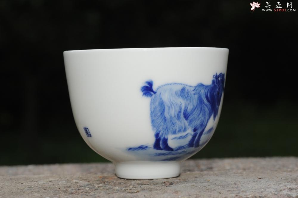 紫砂壶图片:生肖羊 景德镇全手工手绘青花主人杯  - 全手工紫砂壶网