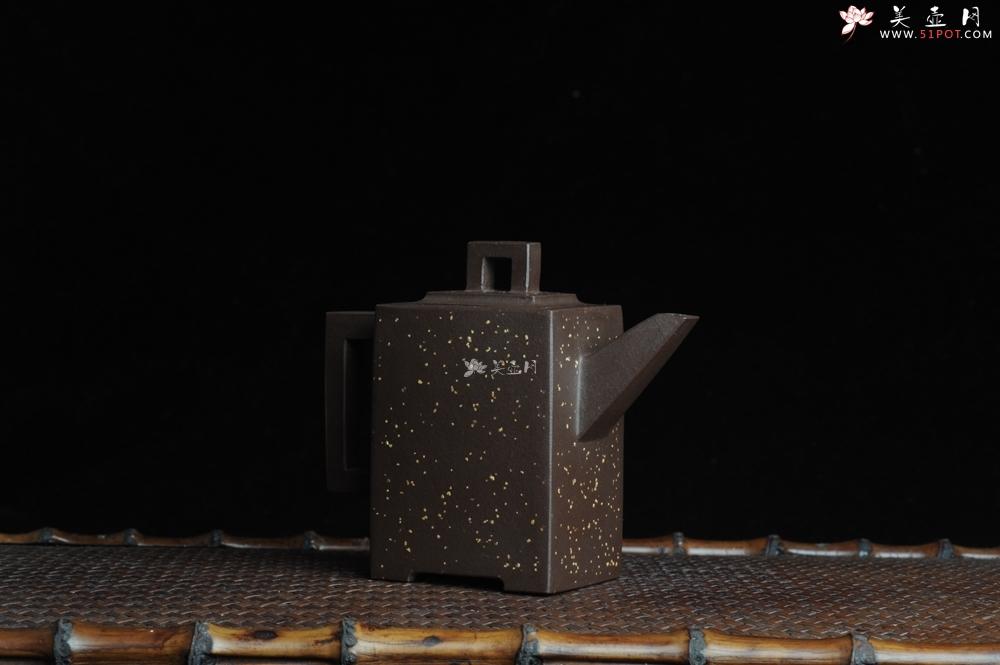 紫砂壶图片:美壶特惠 全手工四方镶制铺砂砖方壶 一气呵成 口盖 未整过口 不露砂 - 全手工紫砂壶网