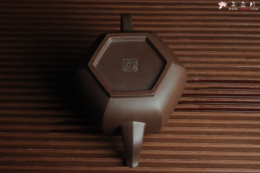 紫砂壶图片:美壶特惠 精致全手工六方雪华 泥料超好 - 全手工紫砂壶网