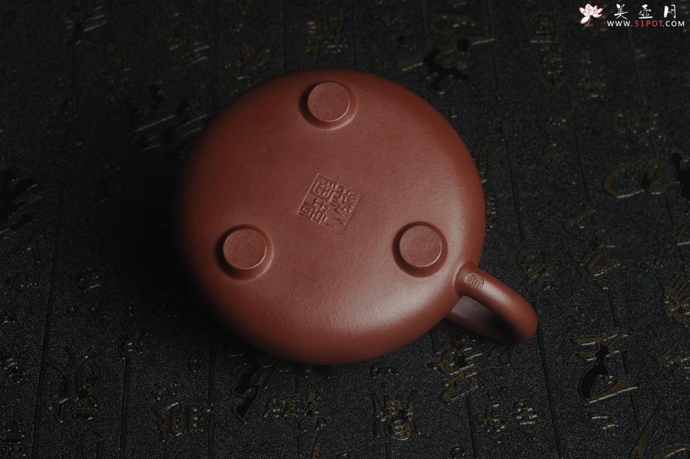 紫砂壶图片:油润老紫泥 全手工周氏石瓢 方健即兴装饰通景梅花 - 全手工紫砂壶网