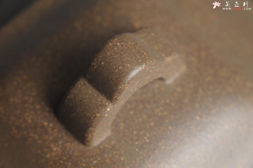 紫砂壶图片:实力派张海艳全手工蟹壳老青段泥精工弧菱壶 - 全手工紫砂壶网