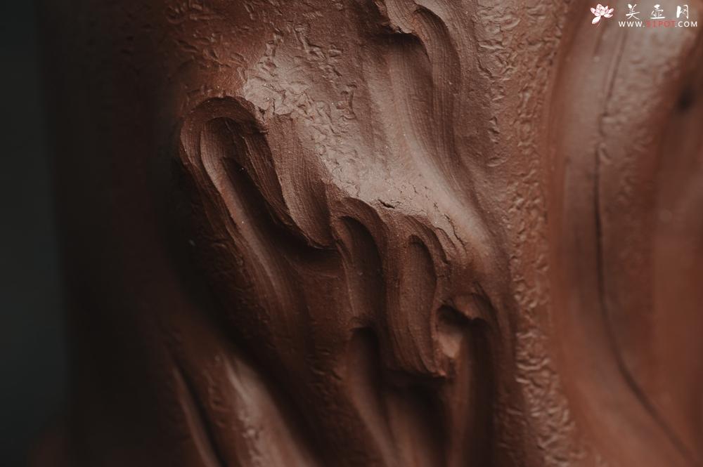 紫砂壶图片:美筒特惠 精致全手工紫泥藏蟾笔筒 高12cm直径10cm 贴叶灵动 金蟾生动 - 全手工紫砂壶网