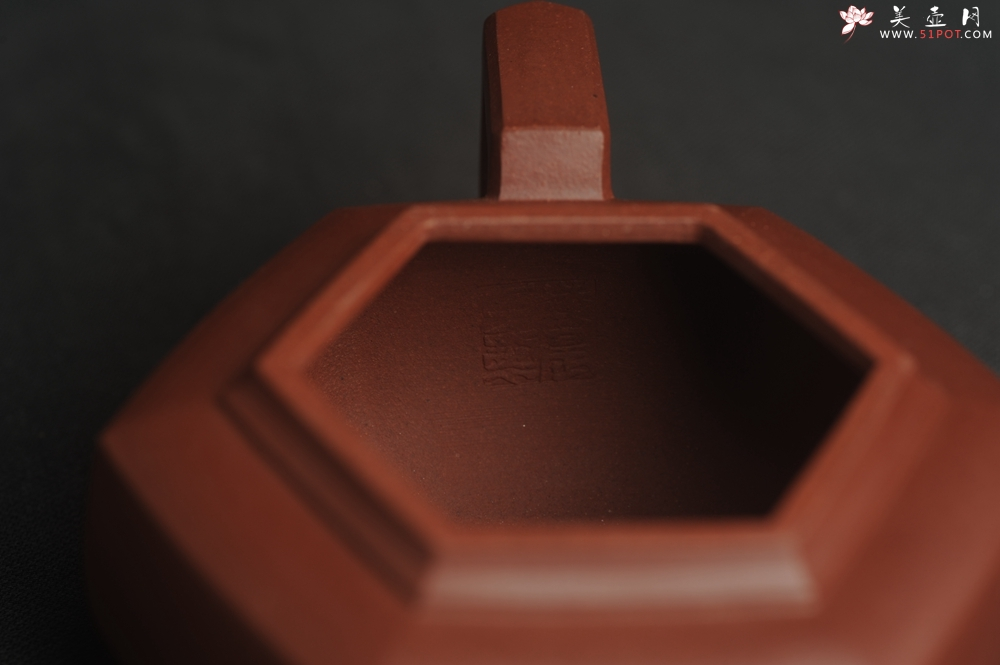 紫砂壶图片:美壶特惠 泥料超好 原矿紫红泥精致全手工六方雪华壶 - 全手工紫砂壶网