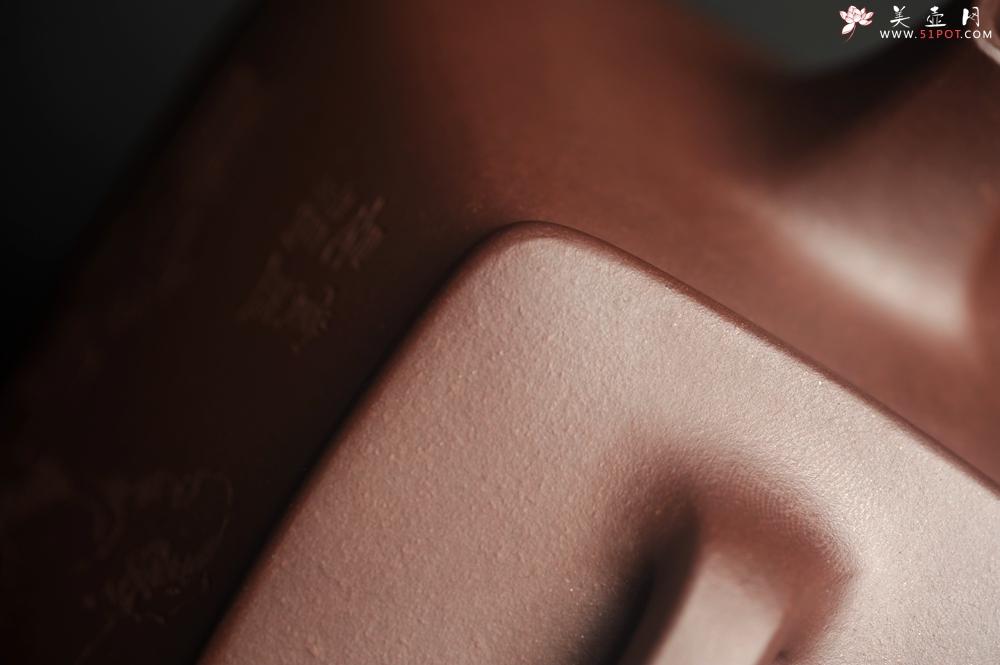 紫砂壶图片:美壶特惠 林旭陶 精致全手工混方石瓢 装饰人物特文气 此是诗仙坡老作 与君同试雨前茶 - 全手工紫砂壶网