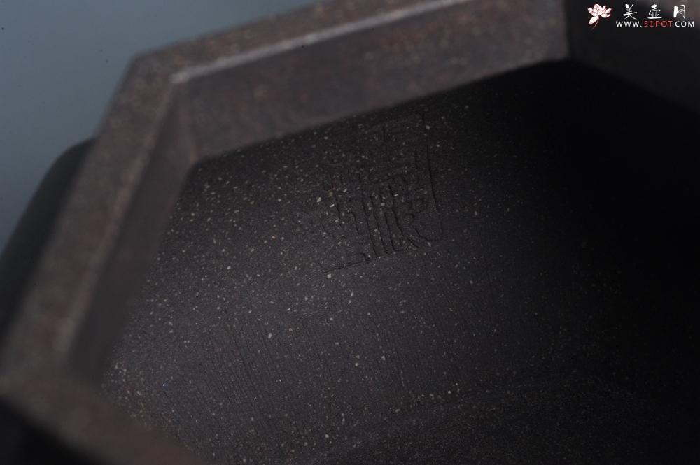 紫砂壶图片:实力派张海艳全手工精工老青灰泥六方仿古壶 气势磅礴 线面挺括平正 - 全手工紫砂壶网