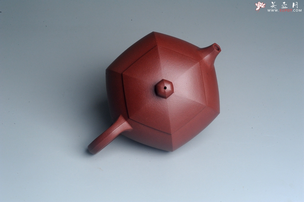 紫砂壶图片:美壶特惠 潜力股凌晨 全手工紫红泥六方西施壶 - 全手工紫砂壶网