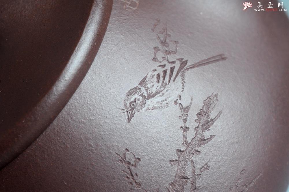 紫砂壶图片:实力派助工周斌 优质底槽青全手工精工满瓢壶 陶兴双刀装饰 诗写梅花月,茶烹谷雨春 - 全手工紫砂壶网